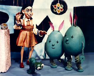 Lettuce & Maggot meet The Lunits in Jimmy Green and his Time Machine